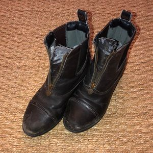 Girls Ariat paddock boots